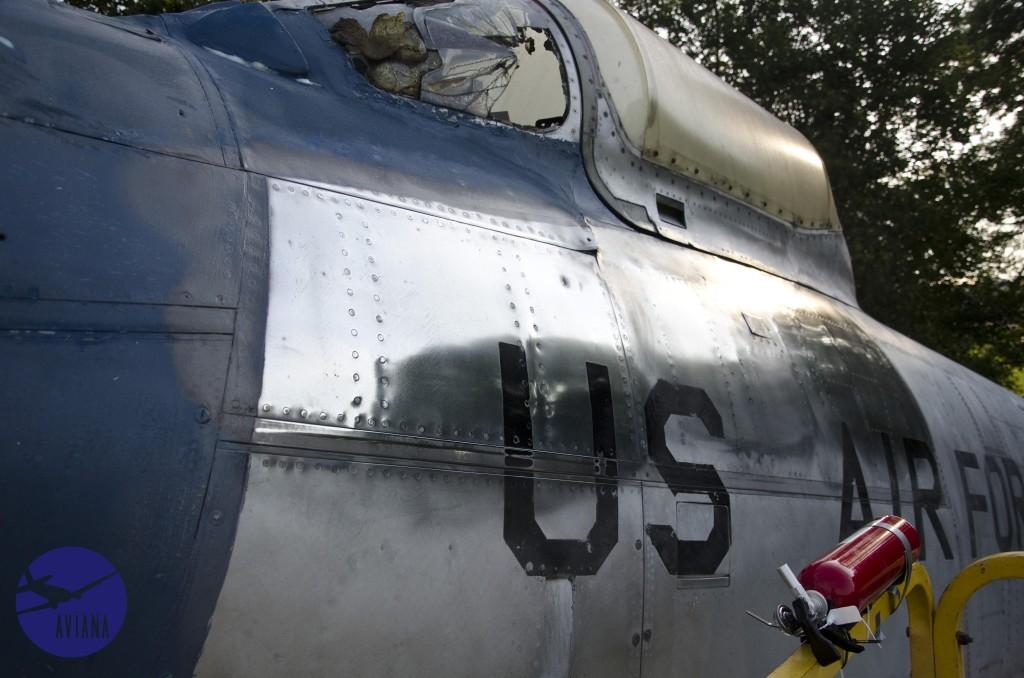 44 F-86 Aviana