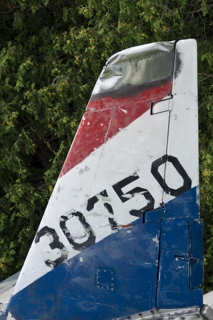 57 F-86 Aviana