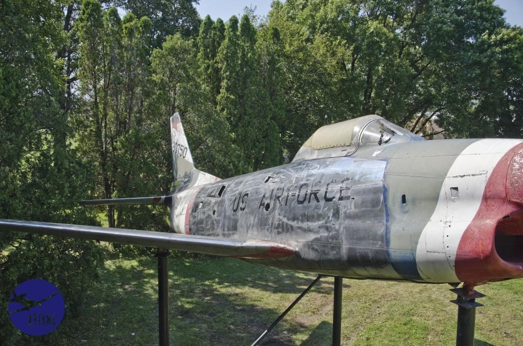 74 F-86 Aviana