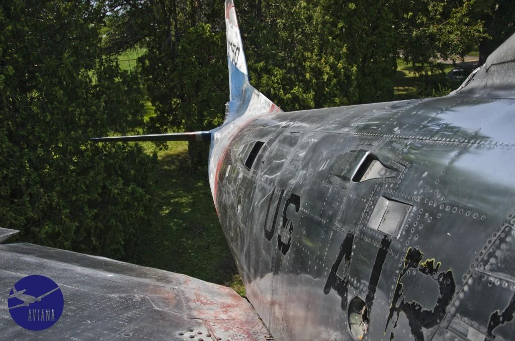 77 F-86 Aviana
