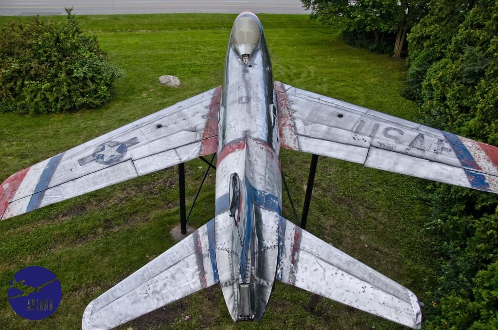 82 F-86 Aviana