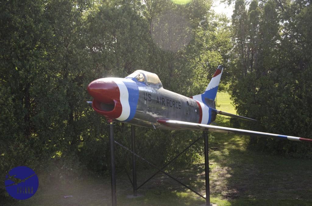 83 F-86 Aviana