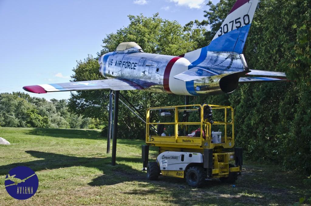 84 F-86 Aviana