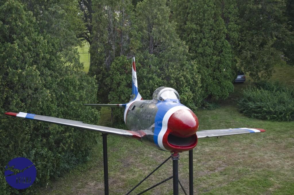 96 F-86 Aviana